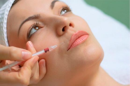Drenaggio linfatico di occhi in cosmetology